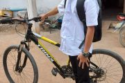 Laos – Teenager Kicked Out of His Own Home